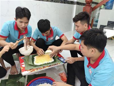 Tất niên của các học sinh Tín Phát Bình Định